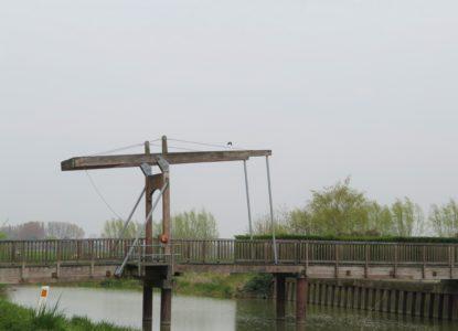 IX-7-Oud-fietsers-en-wandelaarsbruggetje-in-Elzendamme