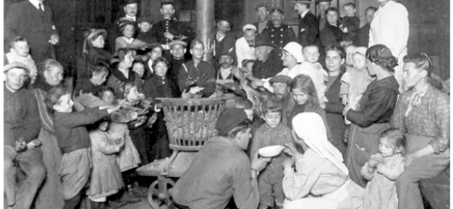 Des réfugiés belges dans la Gare du Nord 1914